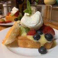 Mason's Munchies: Fruit Tartish with Lemon Curd and Fresh Whipped Cream